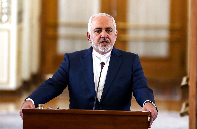 Irans udenrigsminister, Mohammad Javad Zarif advarer om konsekvenserne af en økonomisk krig mod den islamiske republik gennem amerikanske sanktioner.