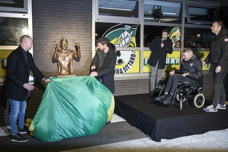 Fernando Ricksen var i 2018 med, da der blev afsløret en buste af ham ved Fortuna Sittards hjemmebane.