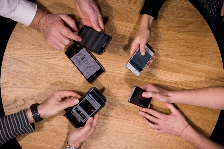 Dansk Industri og Danske Regioner vil undersøge mulighederne for at bruge de data, som borgerne opsamler om sig selv ved eksempelvis deres telefoner. (Arkivfoto). Lionel Bonaventure/Ritzau Scanpix