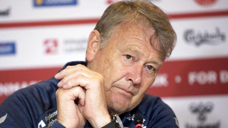 Landstræner Åge Hareide stopper næste år.