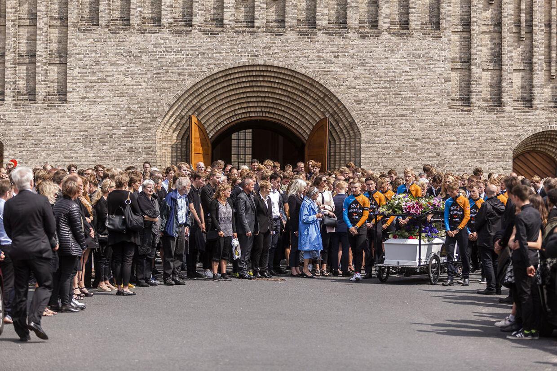 Ifølge præsten var mellem 500 og 600 mennesker mødt op i Grundtvigs Kirke onsdag middag.