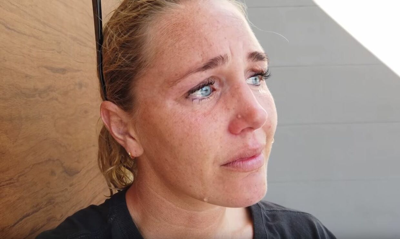 Jeanette Ottesen er hårdt ramt af, at ægtemanden Marco og datteren Billie-Mai. (Foto fra YouTube-video)