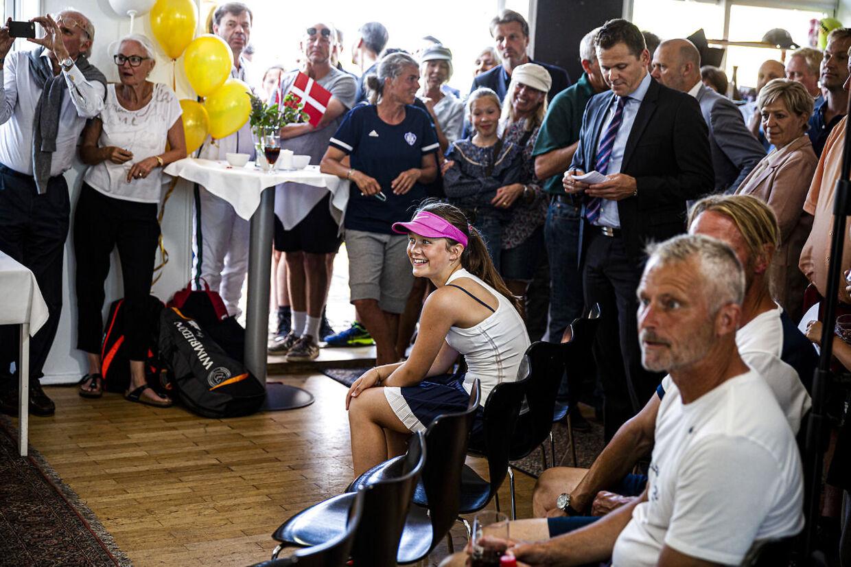Prinsesse Isabella var også til stede ved fejringen af Holger Rune. Hun spiller ligesom tenniskometen også i HIK.