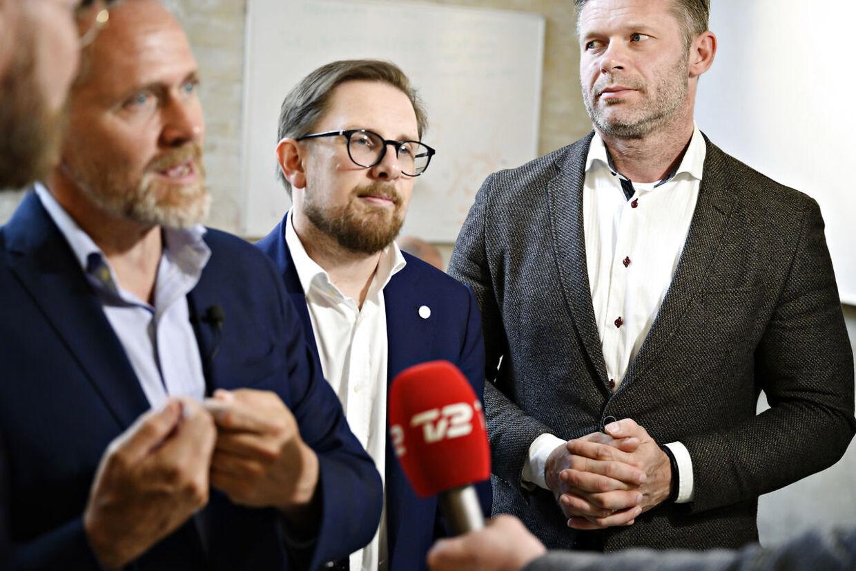 Politisk leder Anders Samuelsen, Simon Emil Ammitzbøll-Bille og Joachim B. Olsen fotograferet under valgkampen i maj 2019.