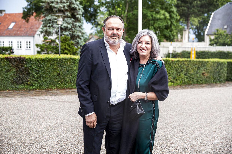 Eks-bokseren Hans-Henrik Palm ankom med frue.