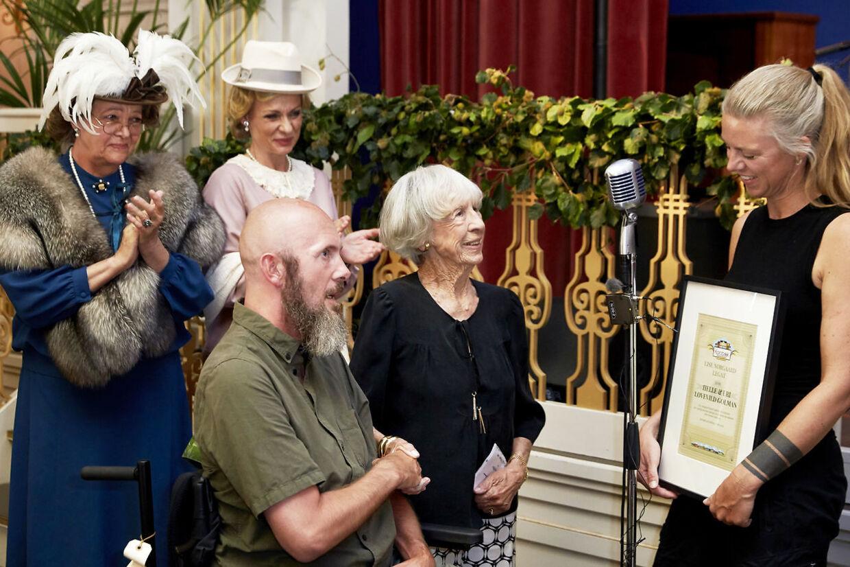 Helle og Uri Løvevild Golman modtog søndag Lise Nørgaard-legatet.