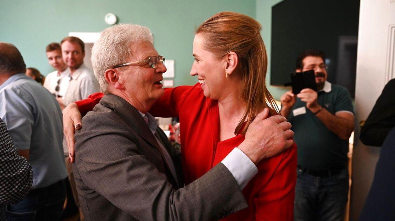 Socialdemokratiets formand Mette Frederiksen mødte også op for at sige farvel til Holger K. Nielsen (SF).
