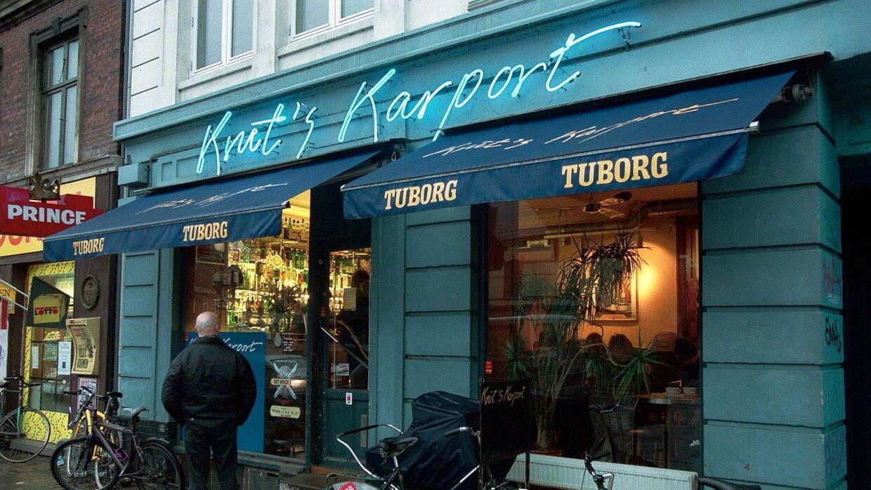 Indehaver af cafeen Kruts Karport, tidligere danmarksmester i bodybuilding, Peter Kjær melder nu, at caféen lukker.