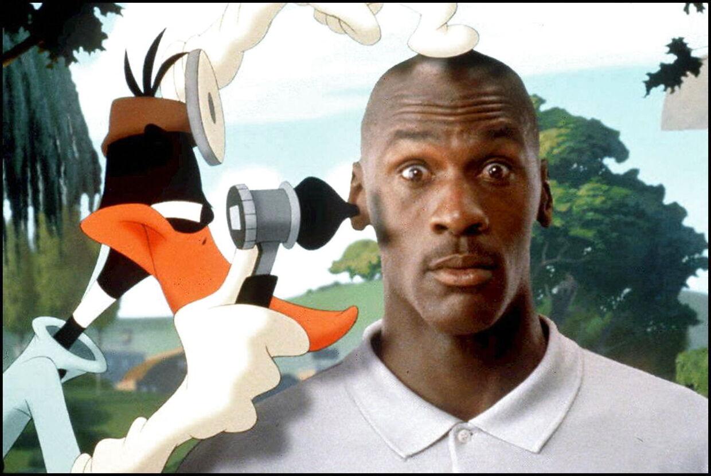Michael Jordan med Daffy And i 1996-filmen 'Space Jam'.