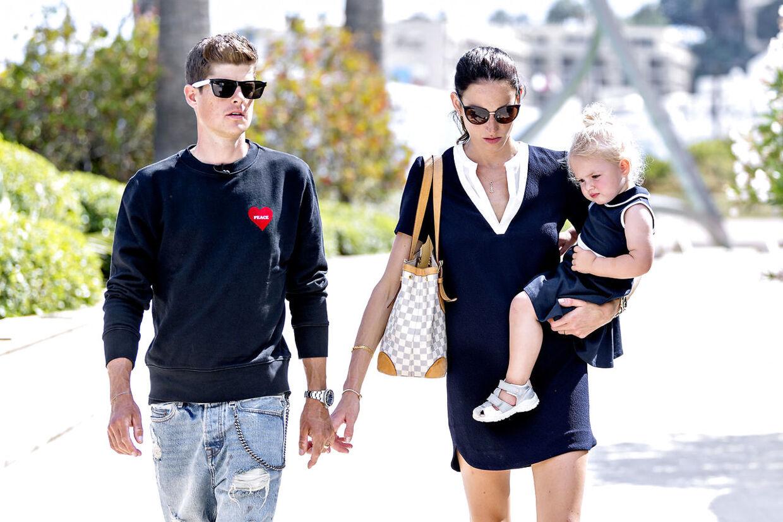 Jakob Fuglsang bor i Monaco sammen med sin kone Loulou og datteren Jamie Lou.