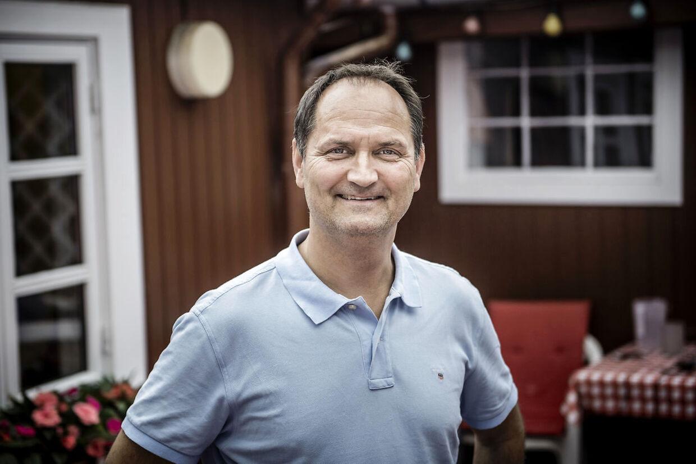 Niels Ellegaard vender tilbage til revyen ifølge en lækket pressemeddelelse.