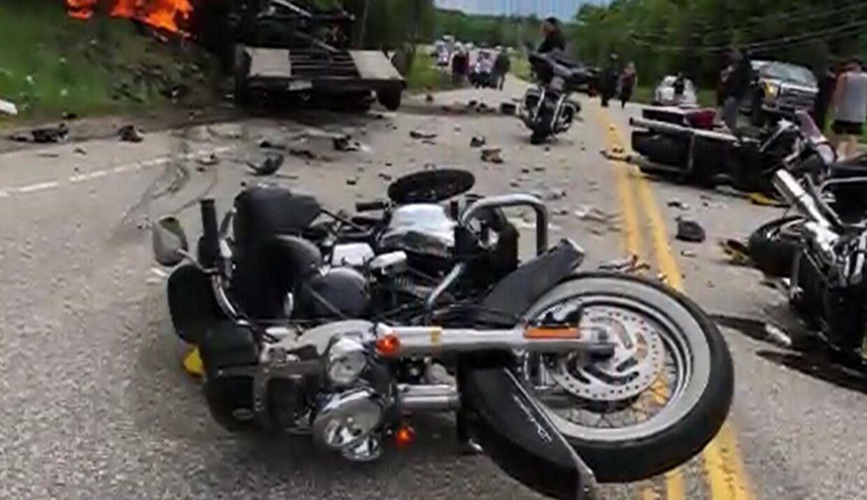 Ulykkestedet lignede en krigsscene, da syv krigsveteraner på motorcykel blev dræbt i en ulykke i den amerikanske delstat New Hampshire.