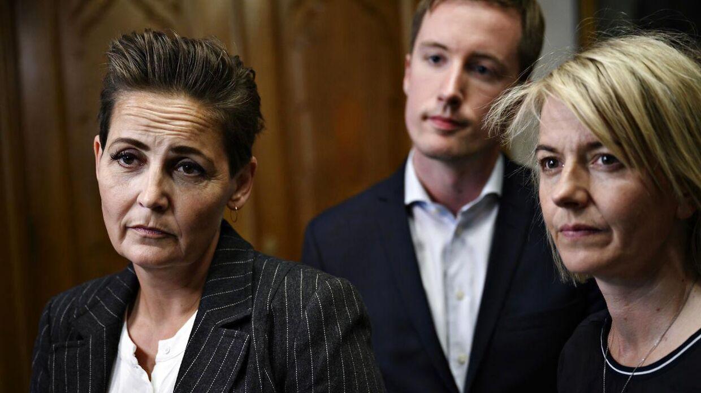 Pia Olsen Dyhr, Jacob Mark og Lise Müller forhandler for SF.