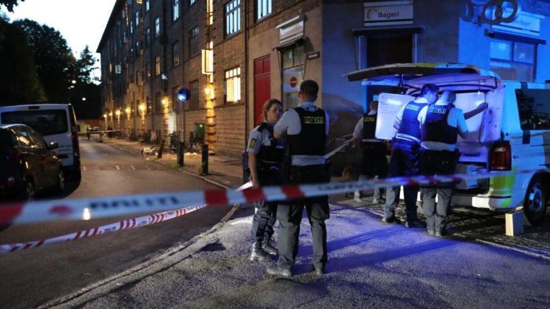 Politiet er talstærkt til stede ved gerningsstedet