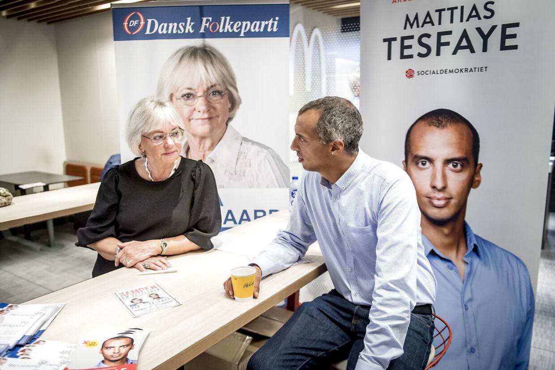 Pia Kjærsgaard fra Dansk Folkeparti og Mattias Tesfaye fra Socialdemokratiet debatterer udlændingepolitik på McDonald's i Brøndby, tirsdag den 21. maj 2019. (Foto: Mads Claus Rasmussen/Ritzau Scanpix)