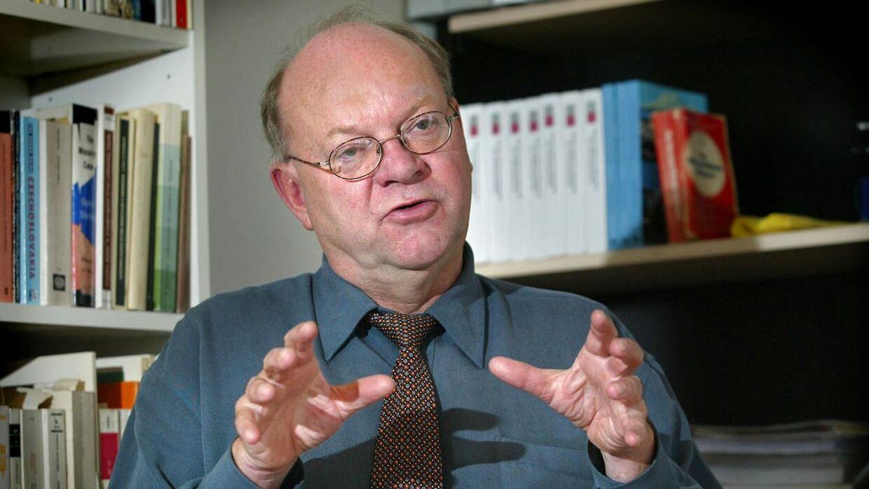 ARKIVFOTO Professor Uffe Østergaard melder, at man er nødt til at bygge en mur omkring Europa.