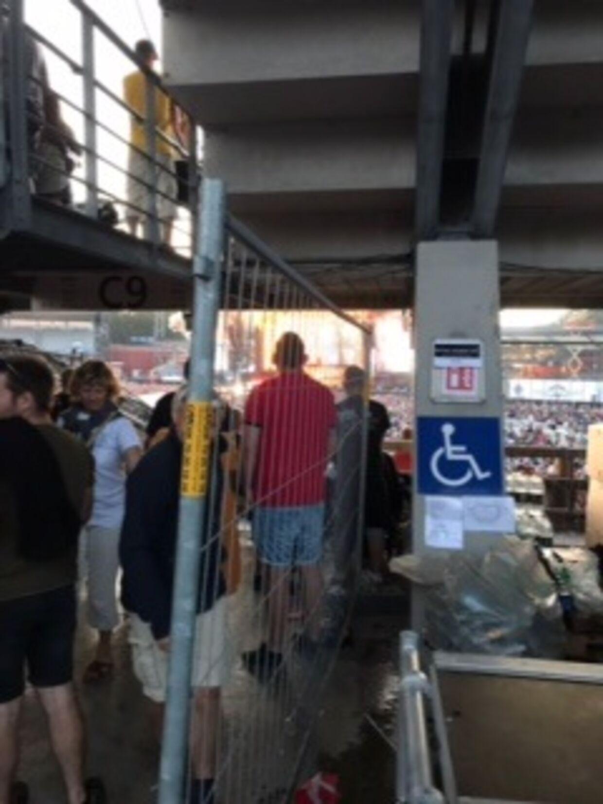 Handicapområdet var meget svært tilgængeligt, fordi man havde valgt at lægge det op af en bar, forklarer Mette Hansen. (Privatfoto)