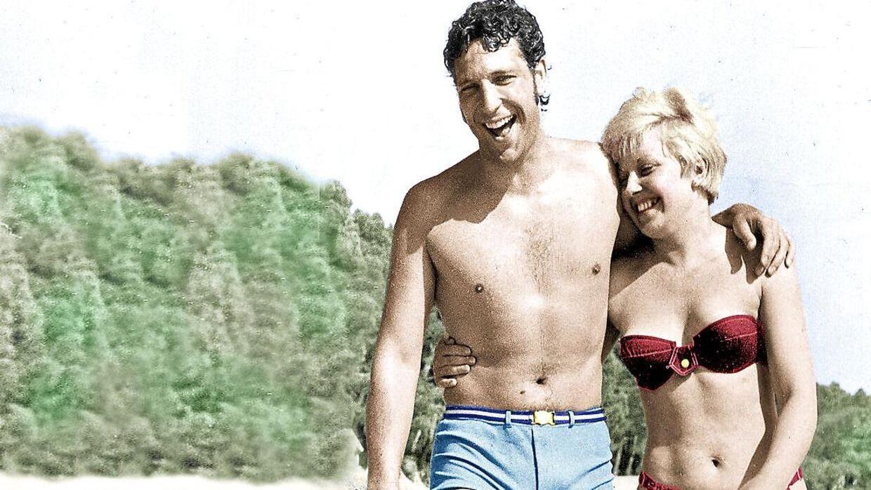 Så unge og så lykkelige. Tom Jones og hans kone, Linda, på ferie i 1966. Parret var gift til hendes død i 2016.