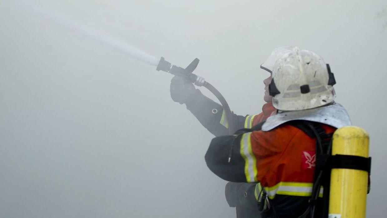 Arkivbillede fra brand i landejendom over for Halgård Skole i Holstebro