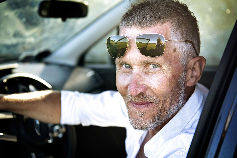 Under hele Tour de France 2019 leverer Brian Holm anedokter, røverhistorier og andre fortællinger fra sit liv i den professionelle cykelverden.
