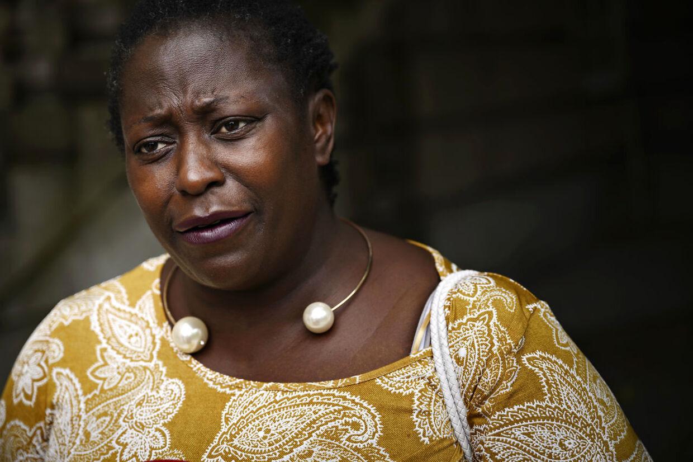 Talsperson for Black Lives Matter i Danmark Bwalya Sørensen, som politianmeldte Rasmus Paludan, var meget rørt, efter dommen blev afsagt.»Selvfølgelig var det ulovligt. Det kan ikke være rigtigt, at man skal kunne slippe af sted med at sige den slags,« sagde hun til pressen efter dommen.Rasmus Paludan omtalte Bwalya Sørensen i netop den video, som blev fremlagt i retten. Han påstod her, at Black Lives Matter, som hun er talsperson for, er dybt racistisk, og at Bwalya Sørensen hader hvide mennesker.