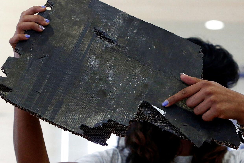 Flyet MH370 forsvandt i marts 2014, og ingen har kunnet forklare hvorfor. Enkelte vragrester blev senere fundet opskyllet på strande på Madagaskar og i det østlige Afrika.