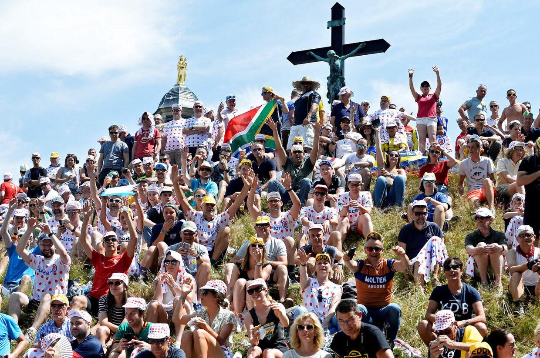 Der har været masser af fans allerede til dette års Tour de France. Her er det i Belgien, hvor cykelløbet startede i år.