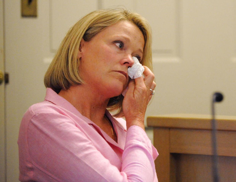 'Offeret's mor, Heather Unruh, kunne i vidneskranken ikke forklare, hvorfor hun og hendes søn ventede 18 måneder, før de officielt indgav anklage imod Kavin Spacey.