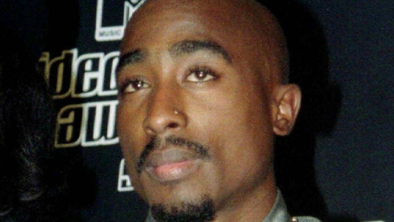 Tupac Shakur blev dræbt ved en drive-by-shooting i 1996. Den amerikanske rapper og skuespiller blev likvideret i en alder af kun 25 år.