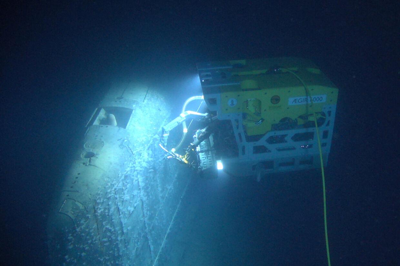 Vandprøver ved en russisk atomubåd, som sank for 30 år siden, viser, at de radioaktive værdier i området er omkring en million gange højere end normalt. Det betyder dog ikke, at der nogen fare for mennesker eller fisk. Ubådsvraget er blevet undersøgt af et norskbygget fjernstyret undervandsfartøj. Handout/Reuters