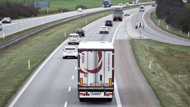 Syd- og Sønderjyllands Politi måtte redde en 11-årig dreng væk fra Esbjergmotorvejen. Dette er et ARKIVFOTO og billedet er derfor ikke af den omtalte situation.