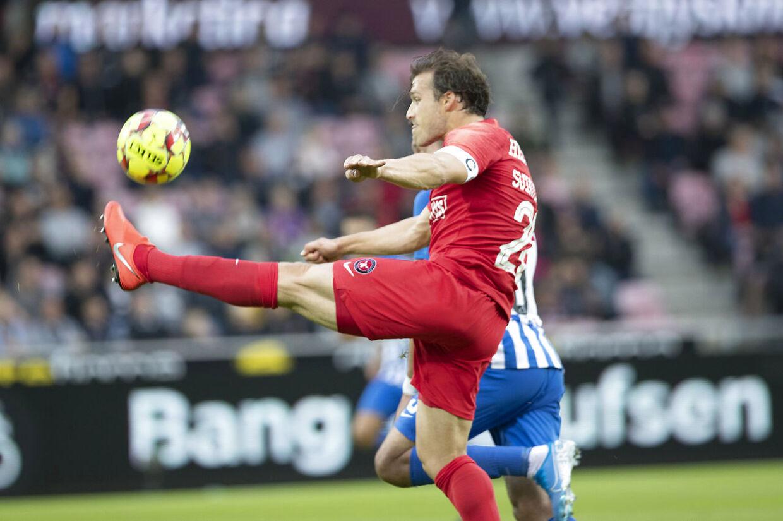 FCM-stopperen Erik Sviatchenko i aktion i fredag aftens Superliga-kamp mod Esbjerg fB.