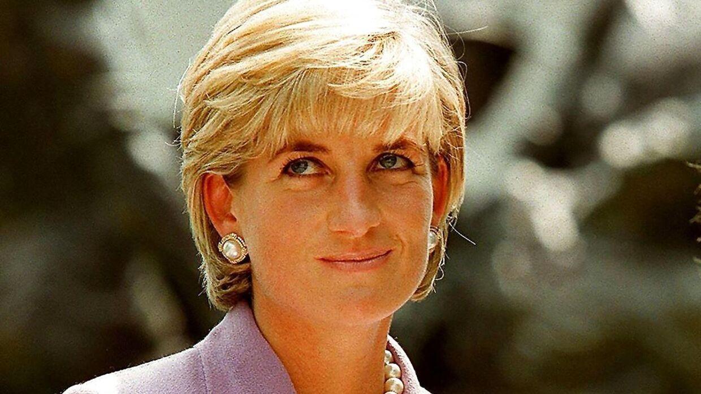 Prinsesse Dianas tidligere privatsekretær mener, at Meghan Markle skal ændre sin opførsel.