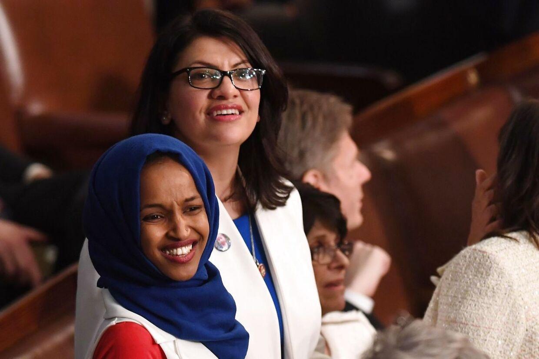 Ilhan Omar og Rashida Tlaib er to af de fire kvinder, der ifølge Donald Trump burde 'rejse hejm'. Men kun Omar er født uden for USA.