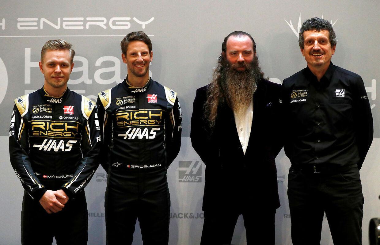 Kevin Magnussen, Romain Grosjean, William Storey og Guenther Steiner, da man præsenterede Haas-raceren for 2019.