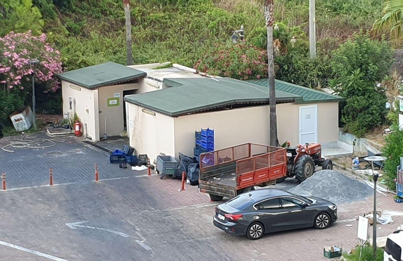 Her er skraldestationen, der lå omkring 50-60 meter fra Kenneths hotelværelse.