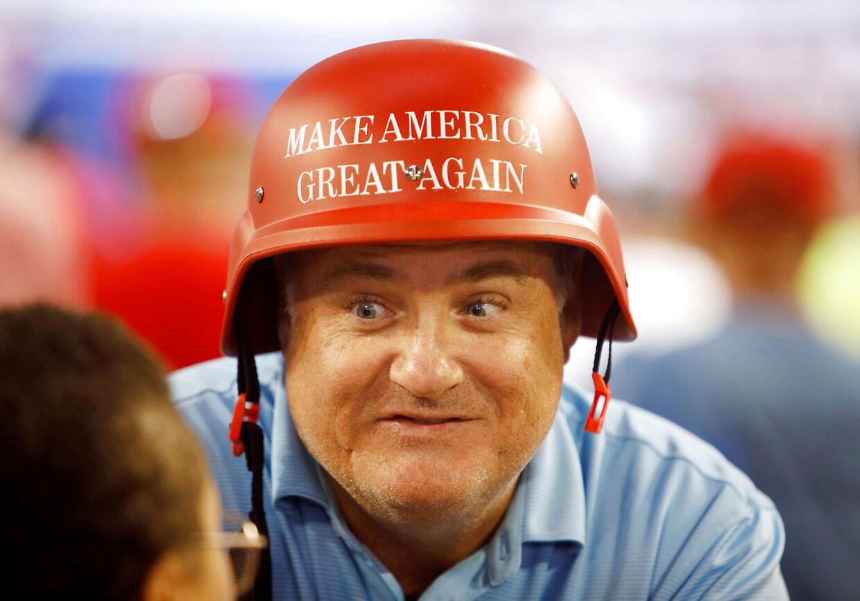 En af Præsident Trumps entusiastiske tilhængere under vælgermøde i North Carolina.