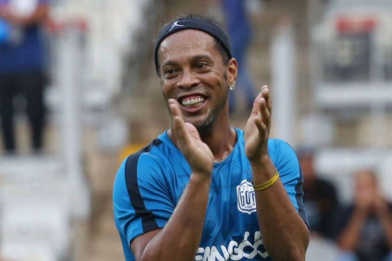 Ronaldinho vandt VM-guld med Brasilien i 2002. Han vandt Ballon d'Or i 2005.