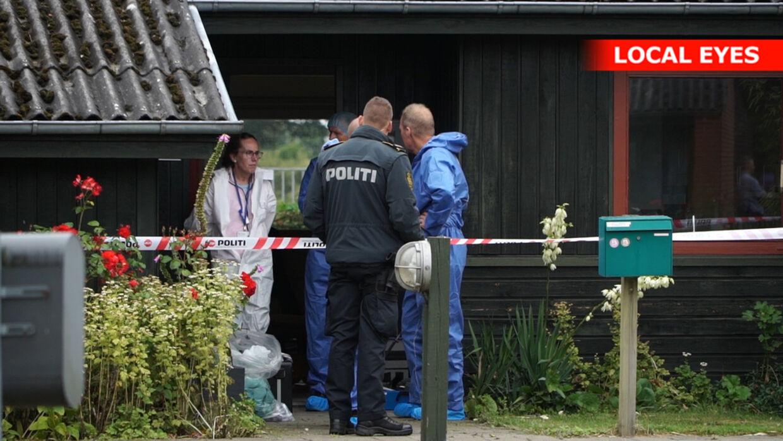 Politiet fik anmeldelse om, at en livløs person var fundet i Brædstrup tidligt søndag morgen.