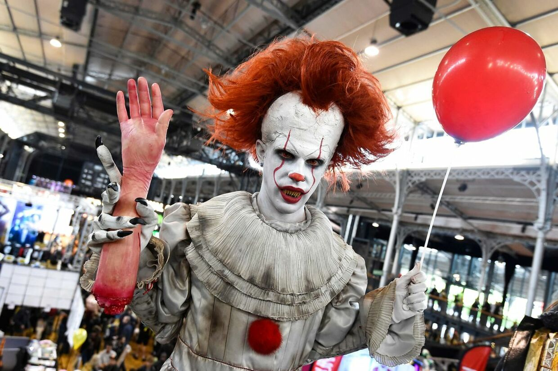 Over 30.000 fans var lklædt ud som deres film- og TV-idoler ved Comic Con i San Diego. Her er det dræberklovnen Pennywise fra gyser-filmen 'It'