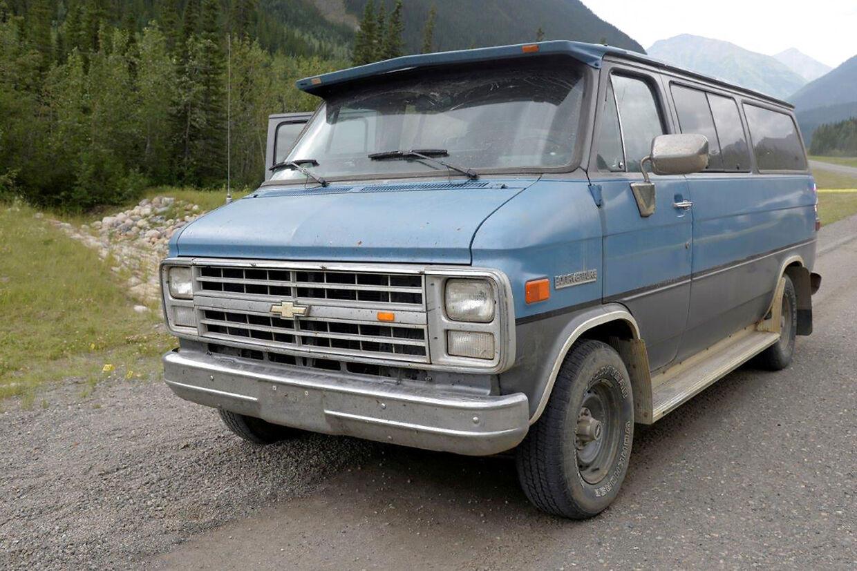 Bilen, en blå Chevrolet van fra 1986, som de to unge mennesker kørte i.