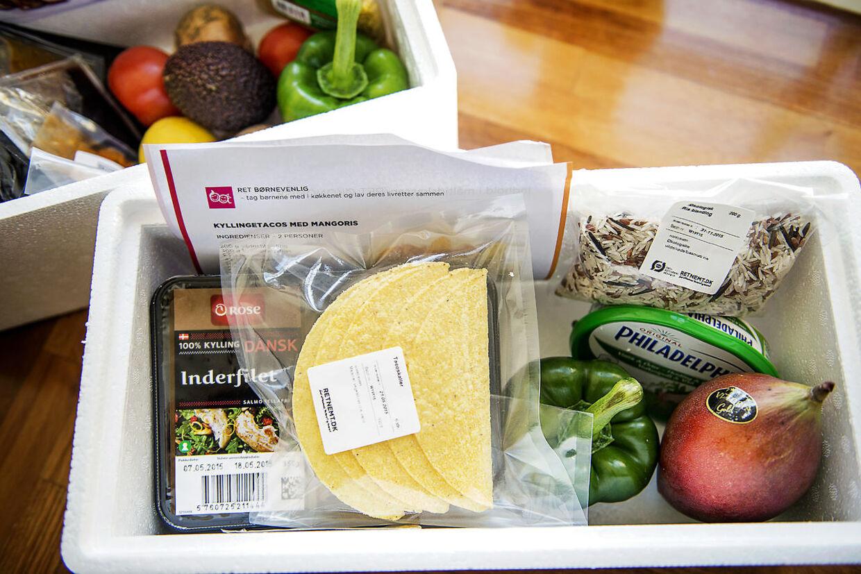 Interessen for færdigpakkede måltidskasser er eksploderet de sidste tre-fire år og er bare et af de steder, hvor danske familier køber sig til mere tid mellem hænderne.