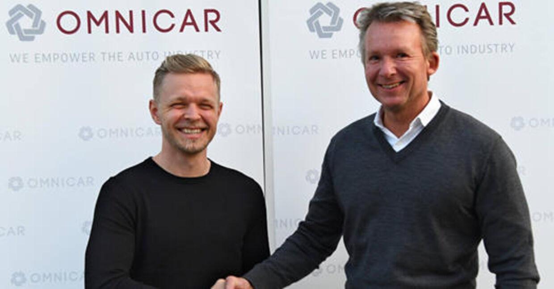Så glade var Kevin Magnussen og Omnicar-direktør Claus T. Hansen, da samarbejdet blev indledt i begyndelsen af 2018.