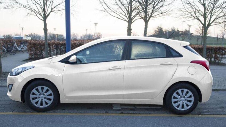 Det er denne bil, Sydsjællands og Lolland-Falsters Politi den 20. juni 2017 efterlyser i Emilie Meng-sagen. En hvid eller lys Hyundai i30.