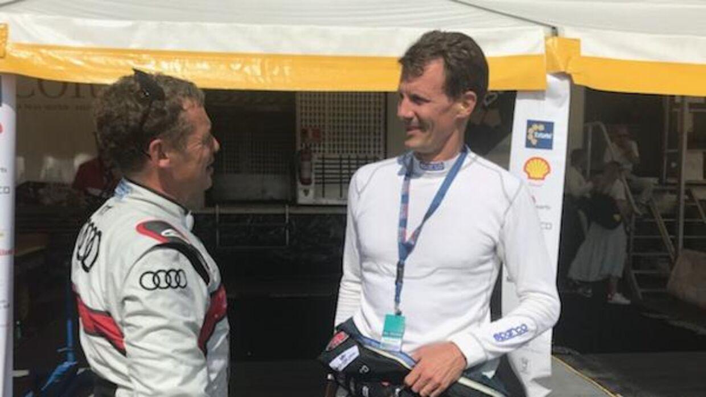 Prins Joachim taler her med holdkammeraten Tom Kristensen.