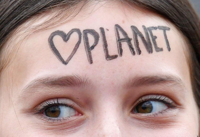 Teenager til klimademonstration. Arkivfoto.