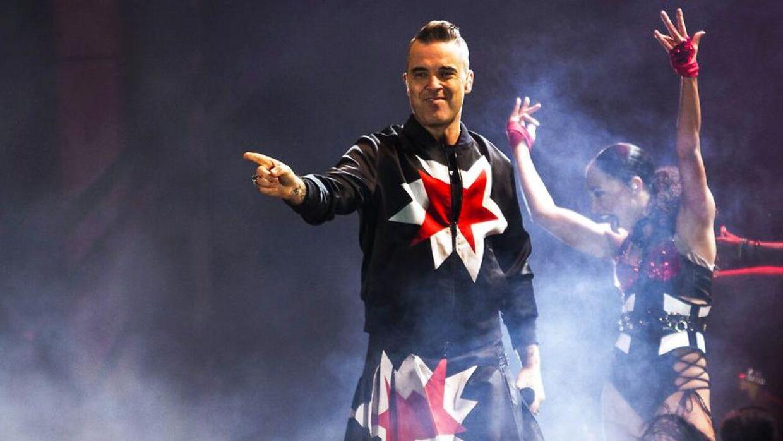 Robbie Williams spiller på Smukfest onsdag aften.
