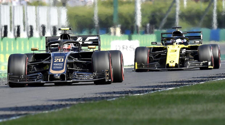 Ricciardo og Magnussen havde en heftig fight under det ungarske grandprix.