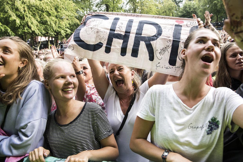 Fans i alle aldre var mødt op til Christopher.