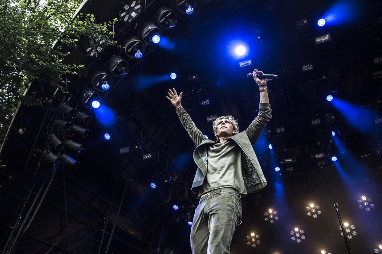 Christopher skabte popfest på Bøgescenen.